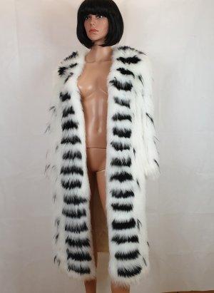 Manteau de fourrure blanc-noir
