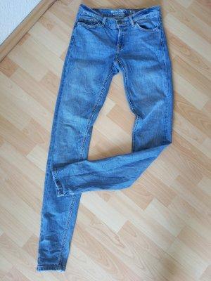 Fester Jeansstoff/ Länge 34