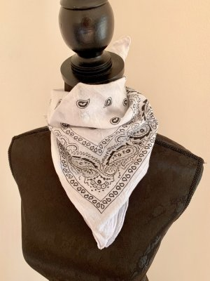 Claires Neckerchief white