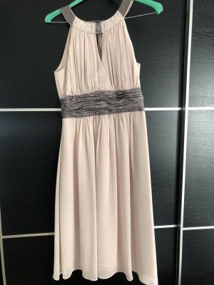 Festliches Kleid in rosa