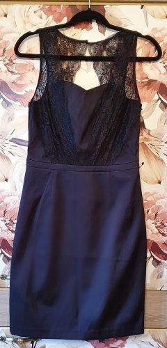 Festliches Kleid mit Spitze