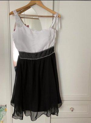 Even & Odd Chiffon Dress black-white