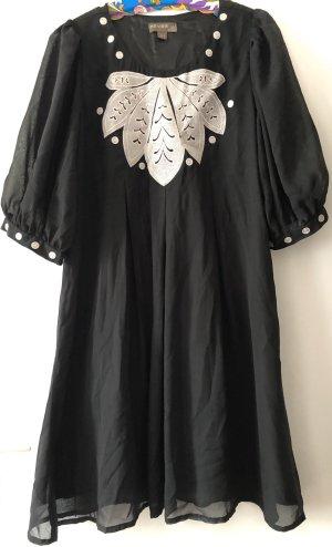 Fever london Vestido estilo flounce negro-blanco puro Poliéster