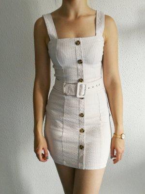 Figurbetiontes Kleid