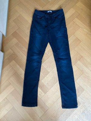 Figurbetonende hochgeschnittene sehr dunkelblaue Jeans, super bequem, HIS