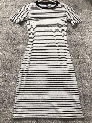 Figurbetonte Kleid