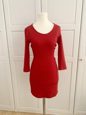Figurbetonter Kleid von Mango, xs