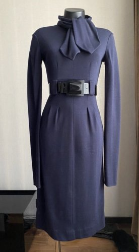 Figurbetontes Chanel Kleid