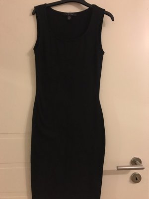 Barneys New York Robe fourreau noir