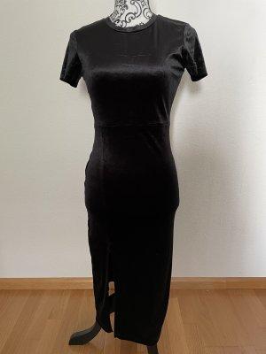 Figurbetontes Kleid aus Samt
