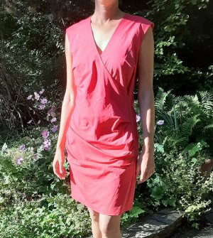 Figurbetontes Kleid in Hinguckerfarbe