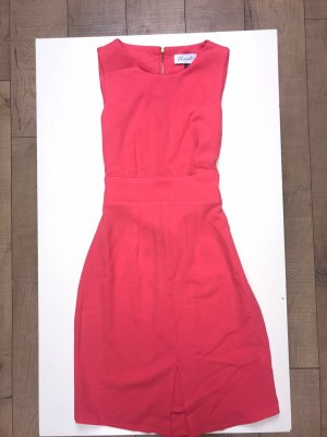 Figurbetontes Kleid in pink