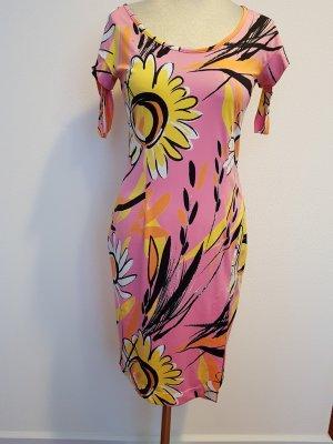 Figurbetontes Kleid mit Schlitz