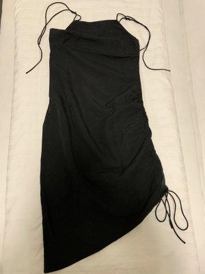 Figurbetontes Kleid - mit seitlichem Kordelzug