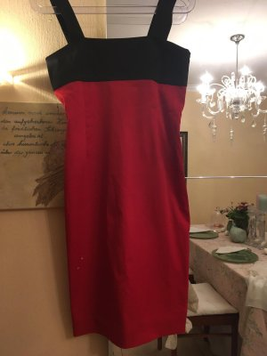 Figurbetontes rotes Kleid von Zara Gr. M NEU