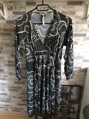 Pepe Jeans Kopertowa sukienka czarny-kremowy