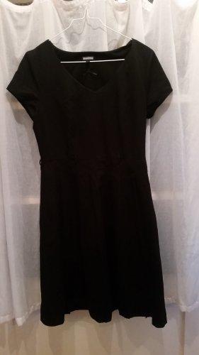 figurschmeichelndes Kleid der Firma Street One