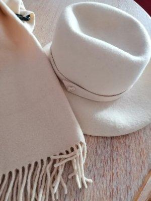 Vilten hoed room