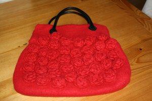 Filztasche mit zauberhaften Blüten