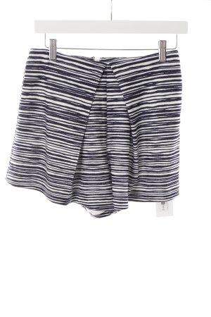 Finders Keepers Shorts dunkelblau-weiß Streifenmuster sportlicher Stil