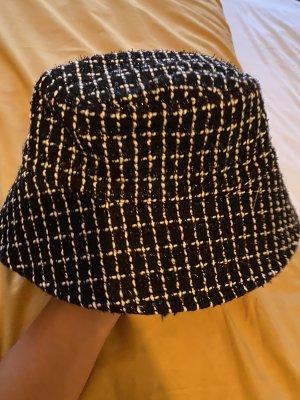 Chapeau de pluie noir-blanc