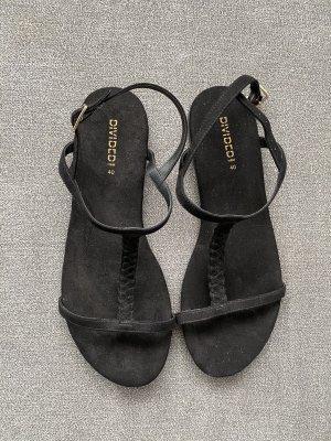 flache sandalen mit riemen in schwarz