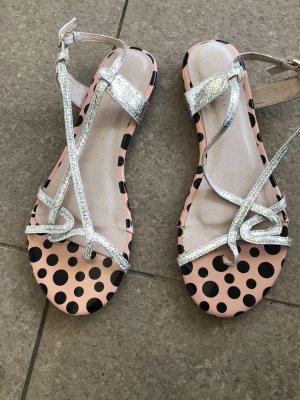 Flache Sandaletten , Zehenspreizer