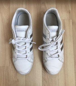 flache Schuhe von Adidas Gr. 39