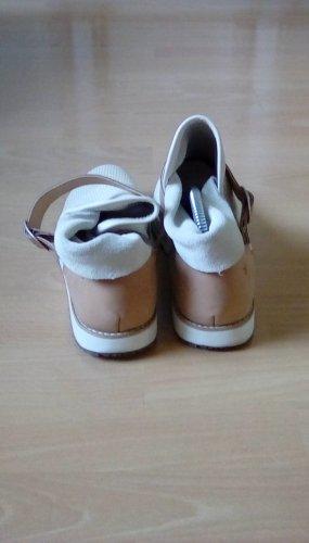Flacher toller Schuh