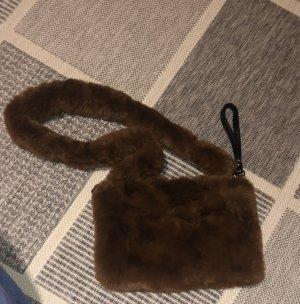 Flauschige neue Tasche