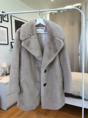 flauschiger Mantel von Zara