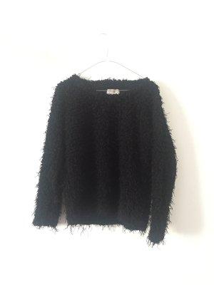 Flauschiger Pullover von Minimum Gr. S schwarz