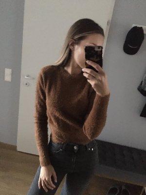 Flauschiger Pullover von Zara Camel