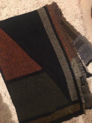 Flauschiger Schal