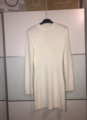 Flauschiges figurbetontes Kleid ZARA Größe L