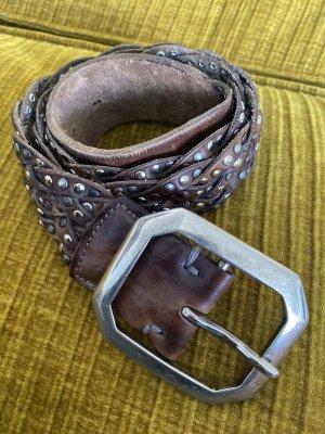 Cintura borchiata marrone scuro