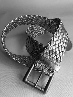 Cinturón trenzado color plata