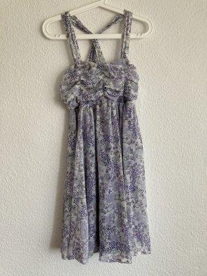 *Flieder* Verspieltes leichtes Kleid, Gr. 40