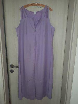 Fliederfarbenes Kleid
