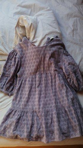 fliederfarbenes Kleidchen