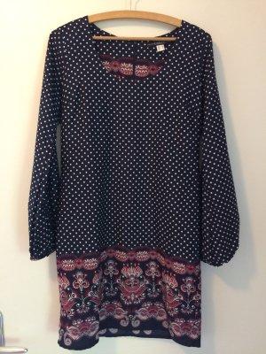Fließendes Langarm-Kleid