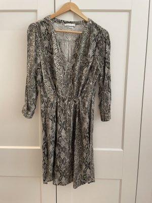 Fließendes Viskose-Kleid mit Schlangenprint
