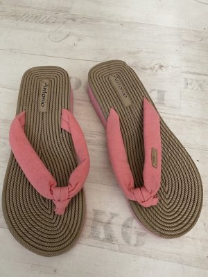 Sandalo infradito rosa
