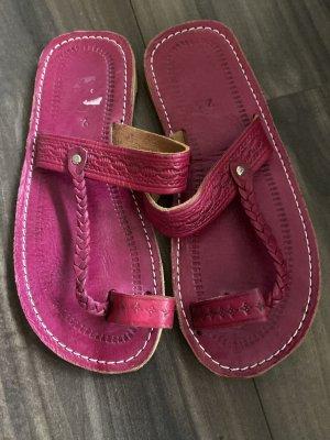 Sandalias con talón descubierto rojo frambuesa-rosa