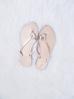 Strauss Innovation Flip-Flop Sandals gold-colored