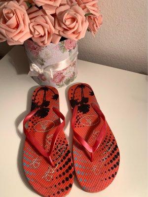keine High-Heeled Toe-Post Sandals neon red