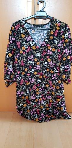 Florales Kleid