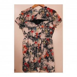 Florales Kleid mit Spitze