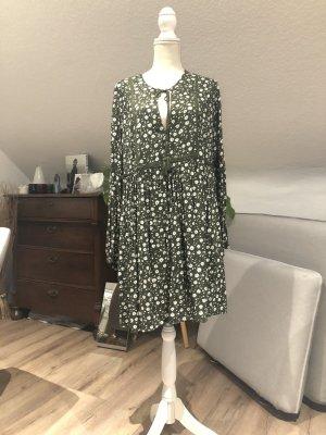 H&M L.O.G.G. Robe tunique vert foncé-blanc cassé