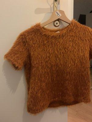 Fluffly orange top